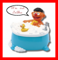 Ernie mit Ente.png
