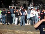 Fans vor der Bühne.JPG