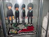18 Die Beatles als Hampelmänner.jpg