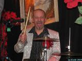 Dr. Kinski Salonorchester 07.11.09 Berlin, Kiste 094.jpg