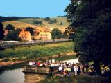 Besucher Brücke Lauchröden.jpg