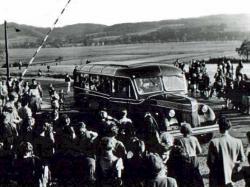 Bild 2 - Rußlandheimkehrer am Grenzübergang Herleshausen  [1953]; H. K. Gliem.jpg