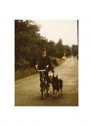 Hund und Fahrrad klein.jpg