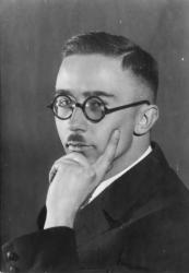 Bundesarchiv_Bild_146II-783,_Heinrich_Himmler.jpg