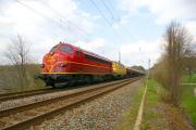 24784 mit My 1149 und 216032 in der Steigung hinter Waldheim 16.04.2011.JPG