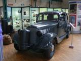 Benz mit Holzvergaser.JPG