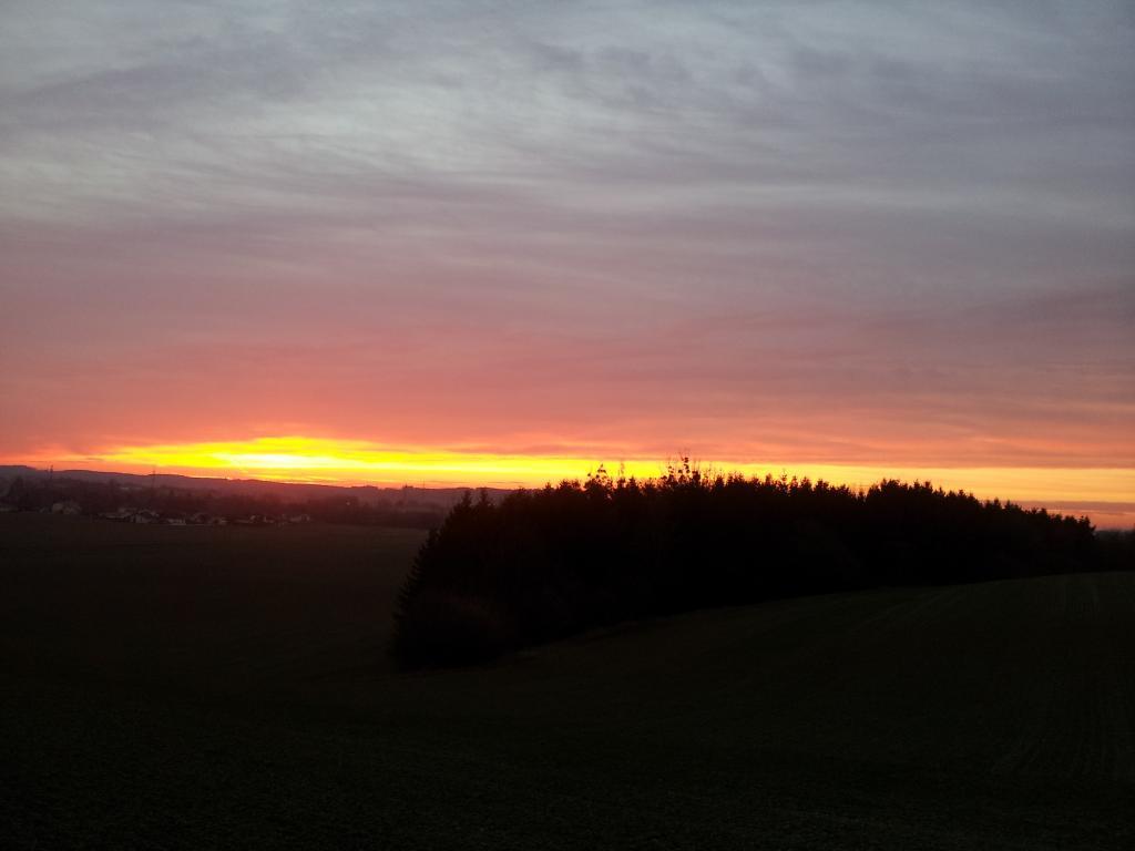 09.03.2015 - Beeindruckendes Abendrot @Wieselburg (NÖ)