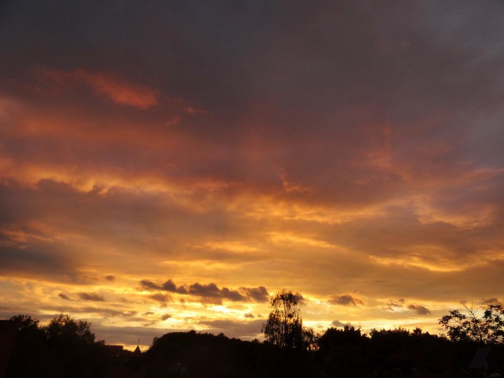 26.09.2015 - Sonnenuntergang bzw. Abendstimmung @ Kirchweg/Gleisdorf (STMK)