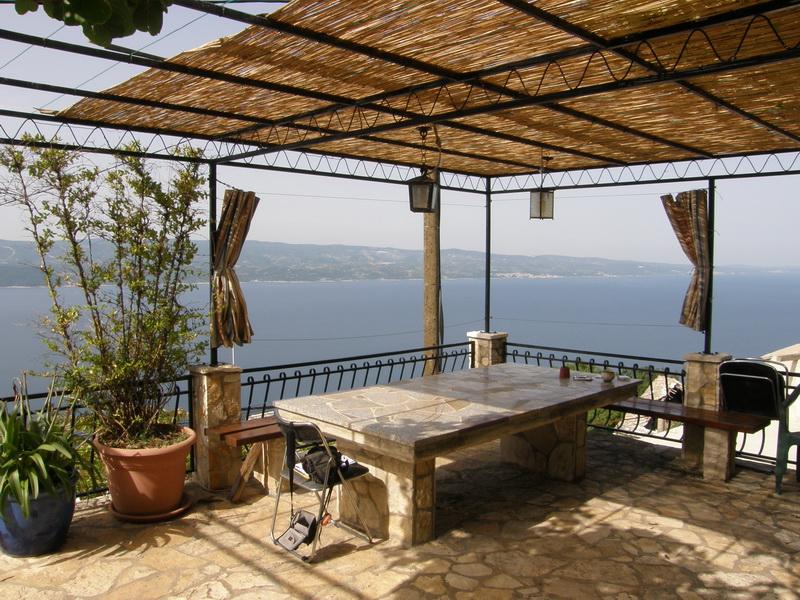 suche apartement ferienhaus in omis oder omis duce von privat. Black Bedroom Furniture Sets. Home Design Ideas