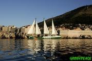 el-barco-de-greenpeace-rainbo-2.jpg