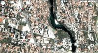 Mostar_Parkplatz_und_alte_Bruecke1