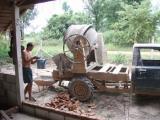 P7280236_600_450...abenteuerliche betonmischmaschine.jpg