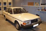 Volvo_242_DL.jpg