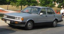 800px-1st-Nissan-Maxima.jpg