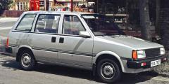 800px-Nissan_Prairie_1982_Sawston.jpg