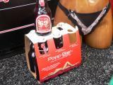 2363-sixpack-bier-schaufenster-nackt-bremen-sexshop-poppen-bla.jpg