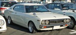 Nissan_Laurel_C130_001.JPG