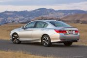 2014_Honda_Accord_PHEV_197_[5].jpg