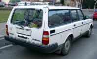 800px-Volvo_240GL_rear_20080102.jpg
