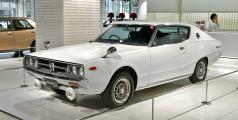 Nissan_Skyline_C111_2000_GTX-E_001.jpg