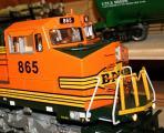 2--MTH-Dash 8 - BNSF Nr. 865.JPG