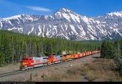 6453_1354041959 Dash 9-44CW - Mike Danneman, Marias Pass - Marias, Montana, USA 4.6.2002.jpg