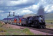 2835_1353430459 Dampflok 4-8-4 ATSF 3751 am 31.8.1992 Seliman, Arizona-USA.jpg