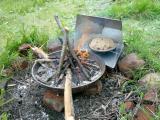 05 frisches Brot aus Reflektorofen.JPG