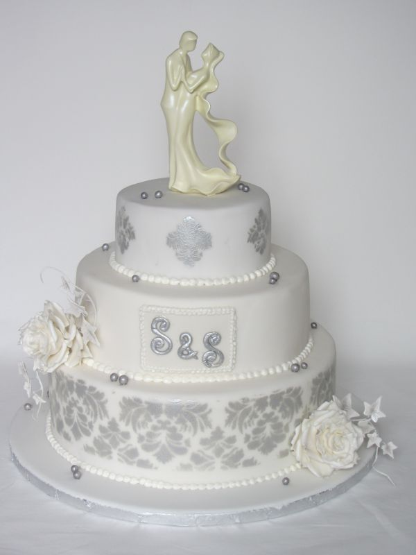 Besondere Anlässe 1. » Hochzeitstorte in silber/weiß