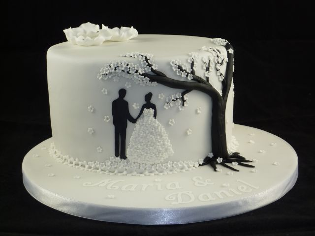 Black And White Fondant Cake Designs