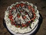 Vanille-Erdbeertorte mit Schokoladendekor.JPG