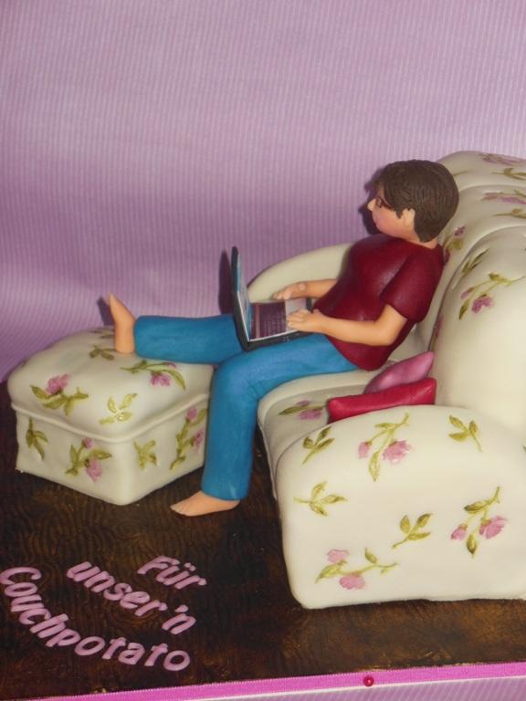 und gleich nochmal eine torte passend zum geschenk sofa im laura ashley stil mit der. Black Bedroom Furniture Sets. Home Design Ideas