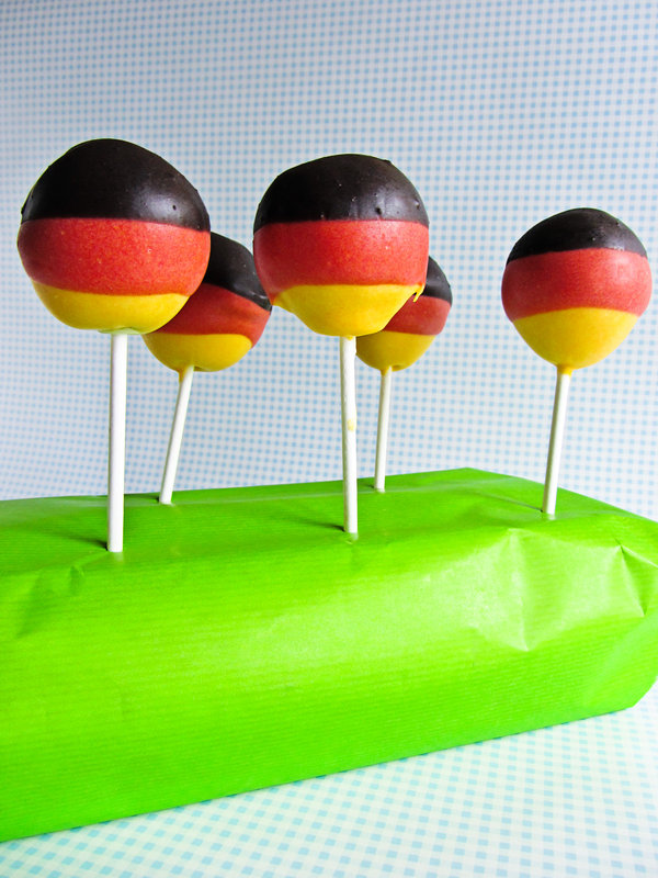 cupcakes cakepops pl tzchen petit fours etc deutschland cake pops. Black Bedroom Furniture Sets. Home Design Ideas