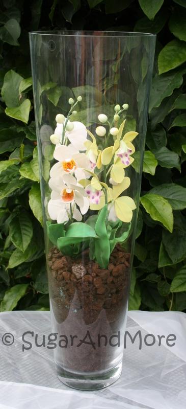 zucker kunstwerke orchideen in der bodenvase. Black Bedroom Furniture Sets. Home Design Ideas
