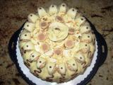 Schwarzwälder Torte mit Knusperkugeln.JPG