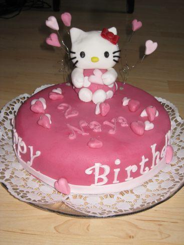hello kitty torte in pink und rosa f r meine zweij hrige. Black Bedroom Furniture Sets. Home Design Ideas