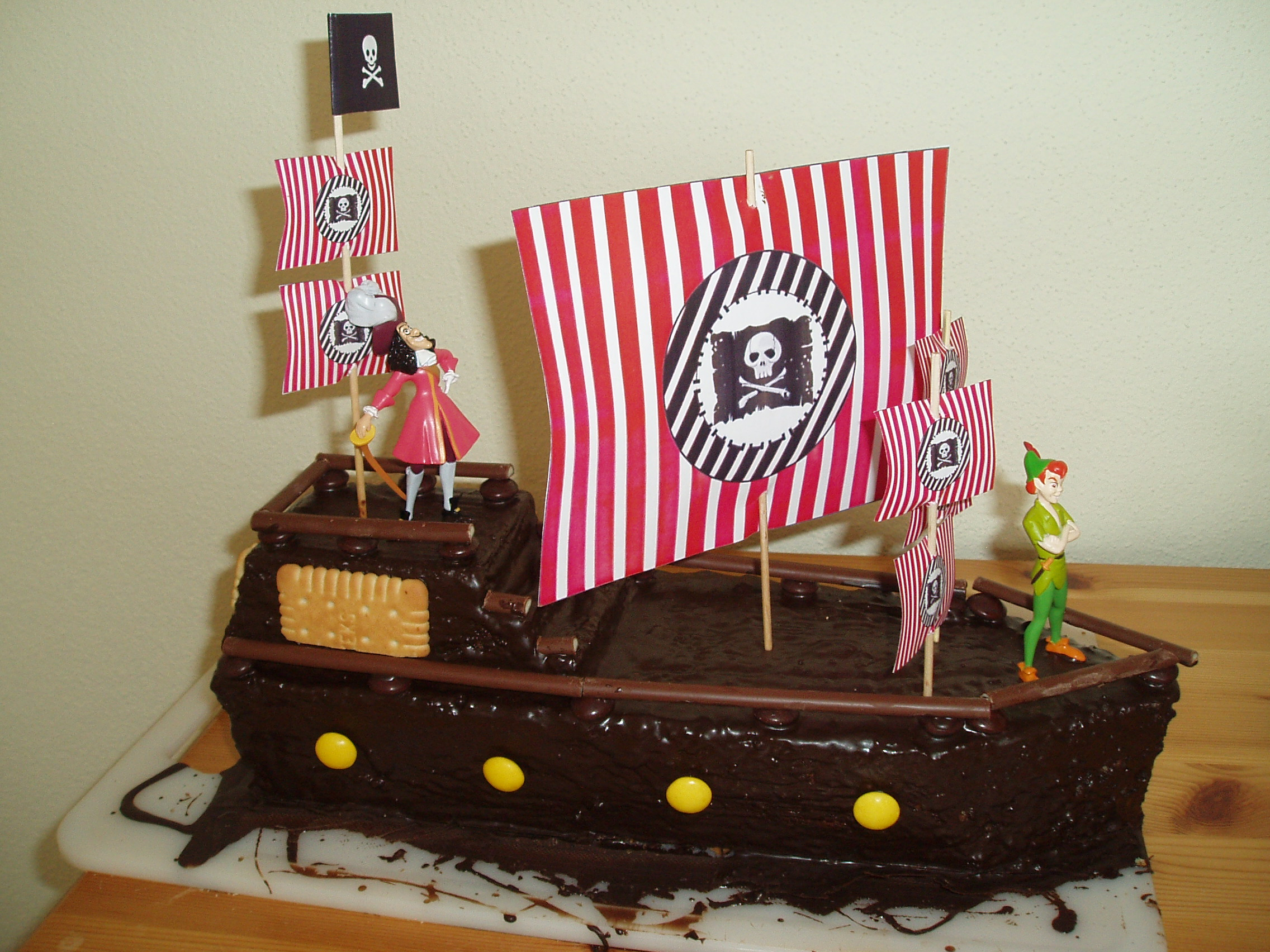 geburtstag kinder einen kuchen f r den kindergarten piratenschiff. Black Bedroom Furniture Sets. Home Design Ideas