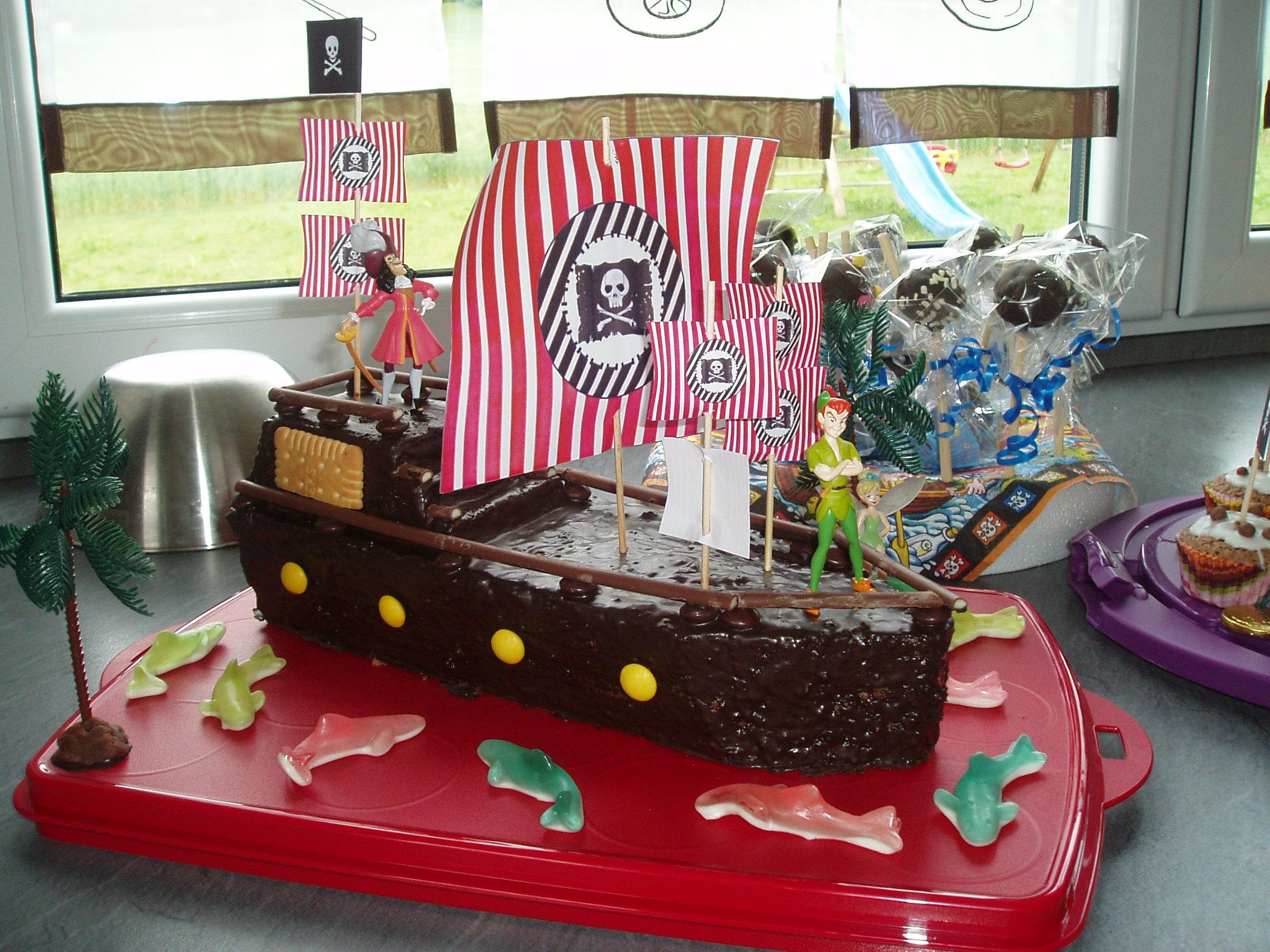 geburtstag kinder einen kuchen f r den kindergarten piratenschiff. Black Bedroom Furniture Sets. Home Design Ideas