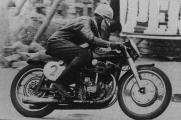 Jawa 500 dohc Austria 1957 Otto Heisinger.jpg