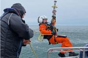 2019-11-17-Freiwilliger-Seenotarzt-der-DGzRS-mit-eigenem-Motorboot-im-Einsatz-fuer-erkrankten-Mann-web.jpg