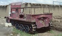 1986 Bolivien, Halbkettenkfz 02, Halbkettenfahrzeug WWII in el alto (vermutlich Volvo).jpg