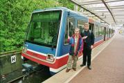 Metrox (links) und Aldwych vor Wagen 5208.jpg