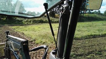Zwischenfruch säen mit Agrotron K120 (20)
