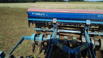 Zwischenfruch säen mit Agrotron K120 (23)