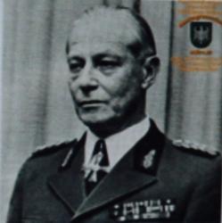 Brigadegeneral im BGS a.D. Heinrich Müller.JPG