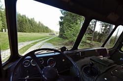 Blick aus Robur LO auf Kolonnenweg.jpg