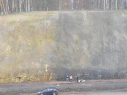 111. Bildfolge Moseberg Übersicht. Unt. Rät-Sandstein.JPG