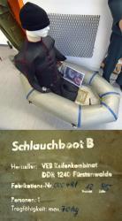 Das Schlauchboot mit dem der Neffe von Karl-Eduard von Schnitzler im Jahr 1986 über die Ostsee floh.jpg
