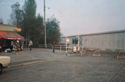 Germany-Berlin-Mitte-Mauer-1980-78.jpg