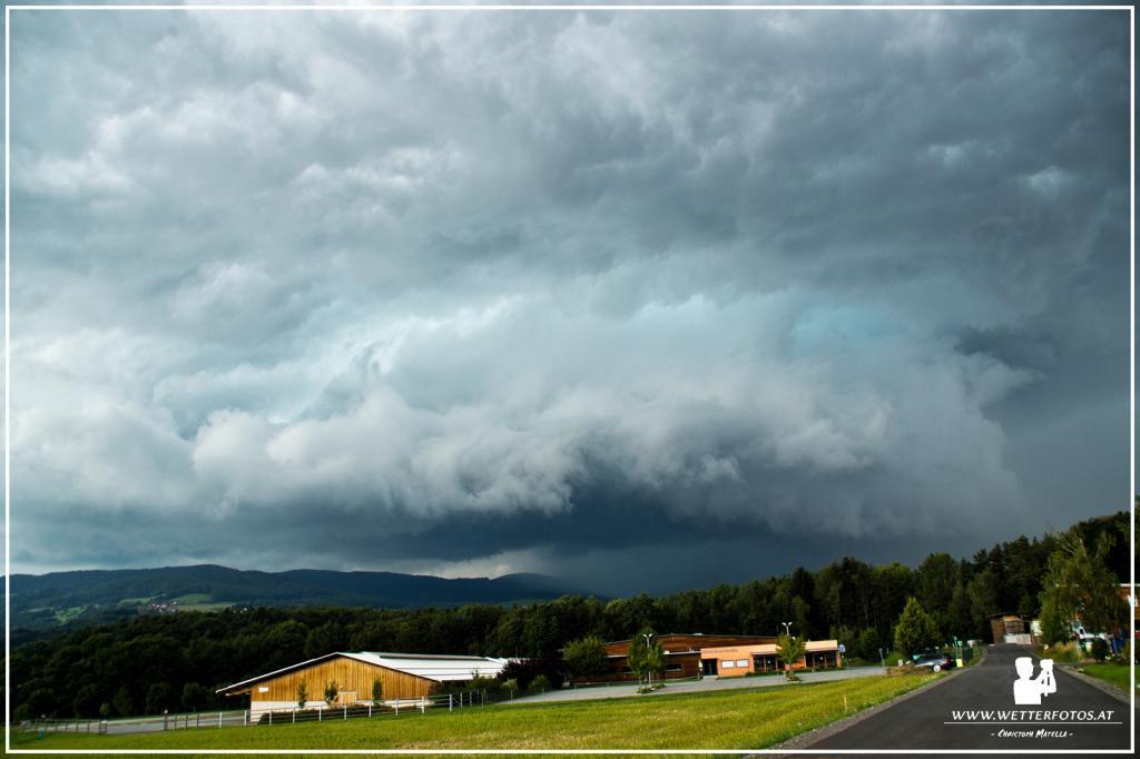 15.08.2016 - Unwetter inkl. zerfallende Wallcloud @ Grafendorf bei Hartberg (STMK)